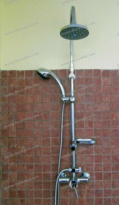 colonne de douche salle de bains