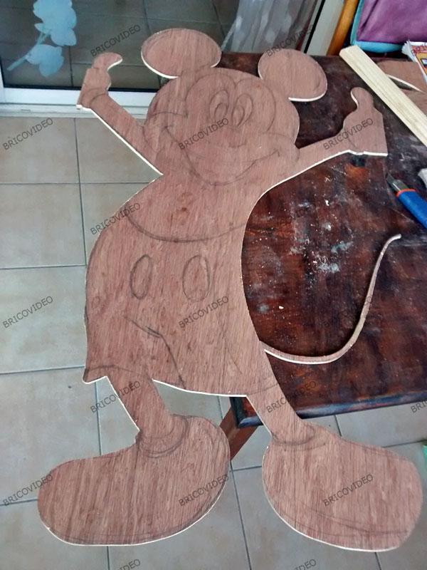 bricolage déco réalisation de silhouettes en bois