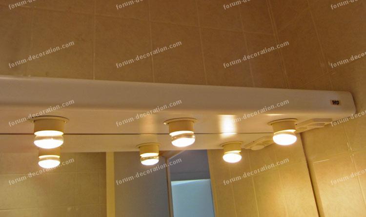 salle de bains éclairage miroir
